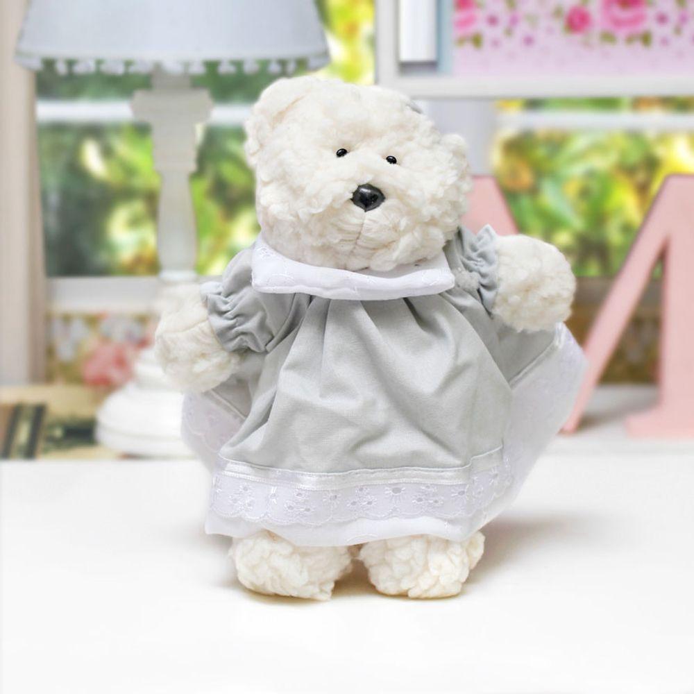 Ursa Dottie Pequena Palha Cinza ambientada