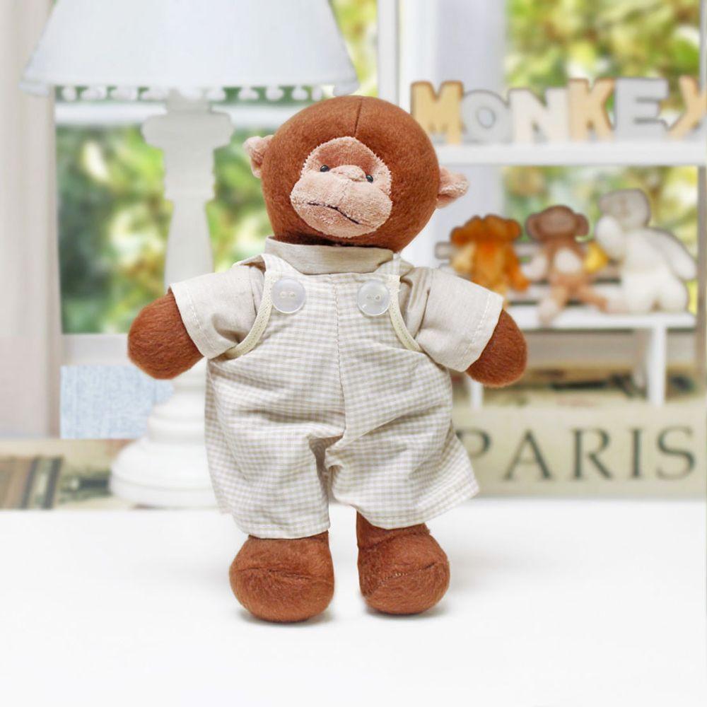 Macaco Pequeno com Macacão Cru ambientada