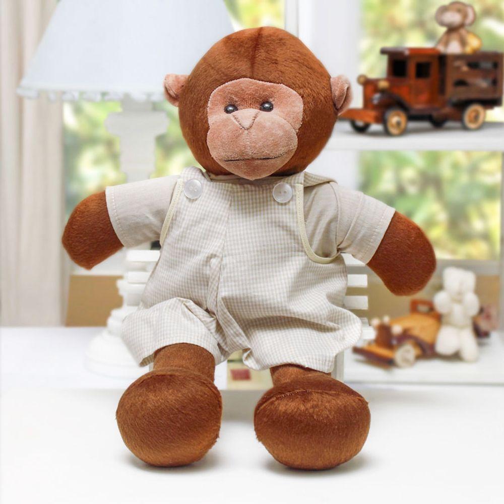Macaco Grande com Macacão Cru ambientada