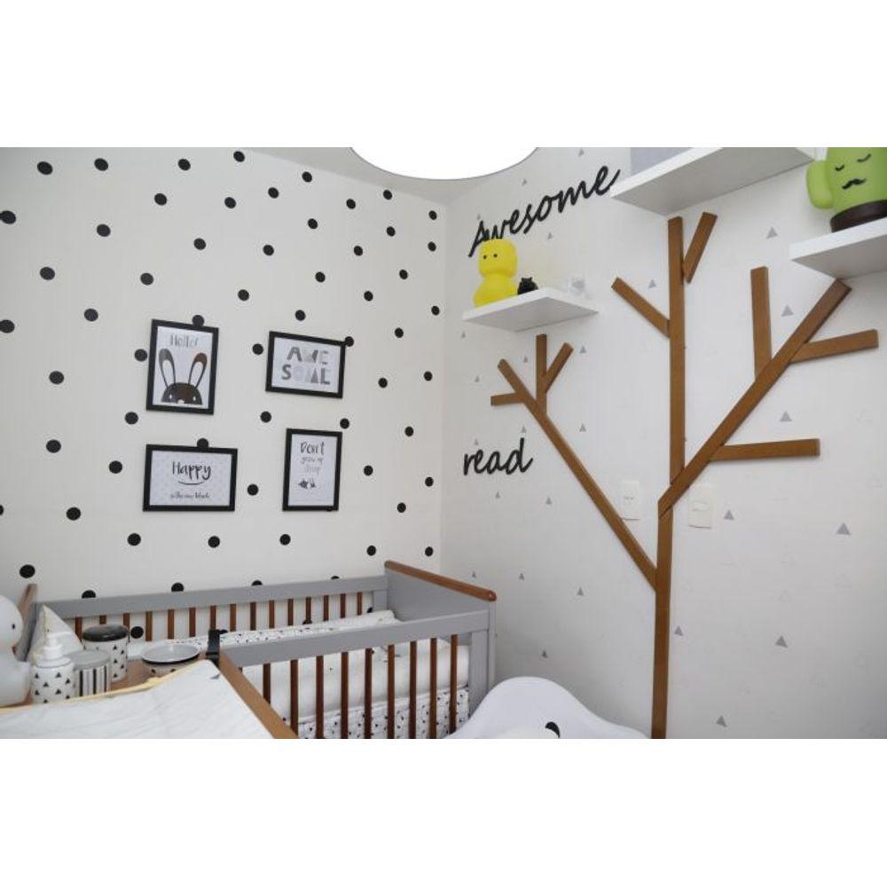 Quarto de Bebê Monocromático árvore
