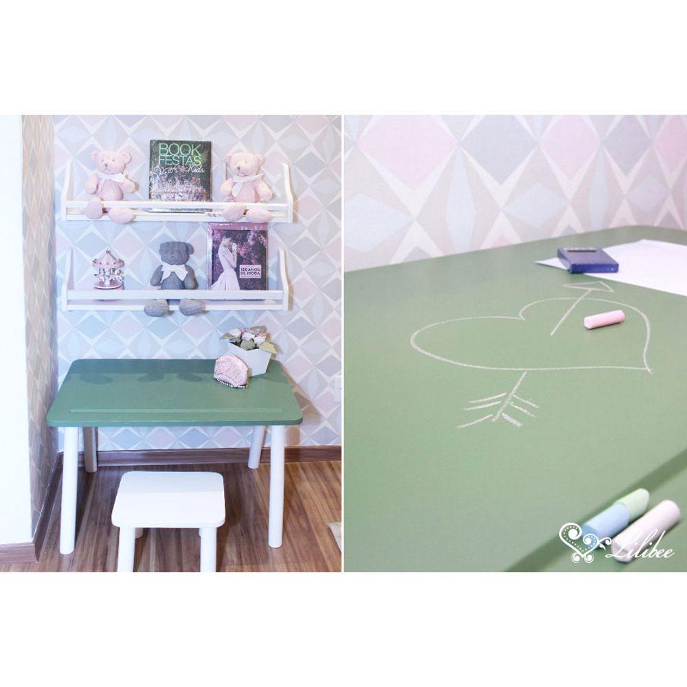 Quarto Montessori mesa de atividades