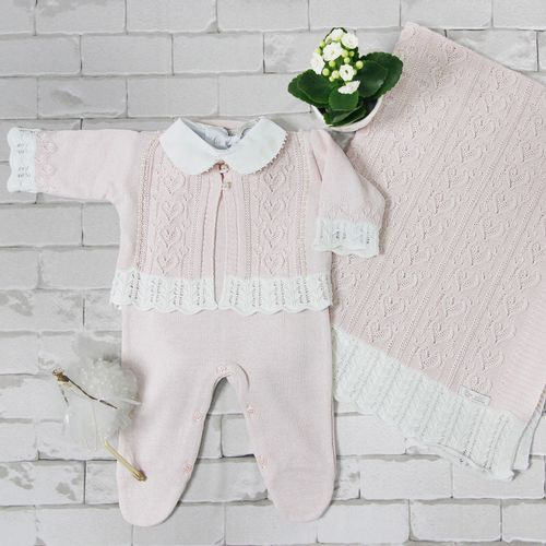 Saida-de-Maternidade-Tricot-Coracao-Rosa-Pastel---Kit-com-Manta-3