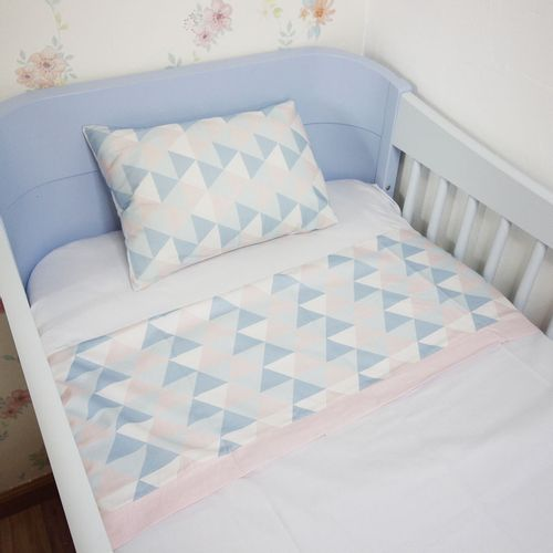 Jogo-de-Lencol-Triangulo-Rosa-e-Azul