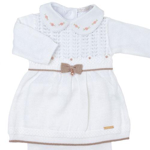 Vestido-de-Bebe-Furinhos-em-Tricot-Branco---Saida-de-Maternidade-08