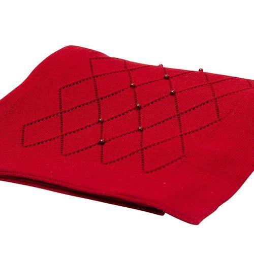 Manta-em-Tricot-Vermelho-com-Losangos-e-Perolas-03