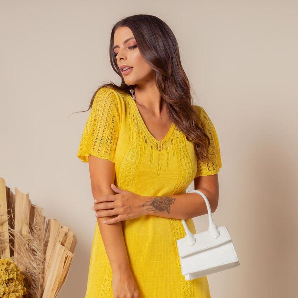 Vestido-Tricot-Curto-Soltinho-Amarelo-3